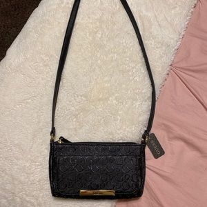 BRAND NEW Guess Cross body bag!